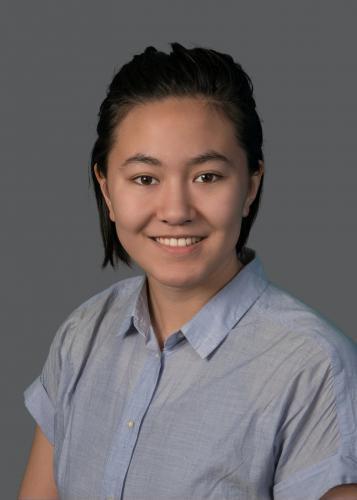bio photo of Emma Schaale.