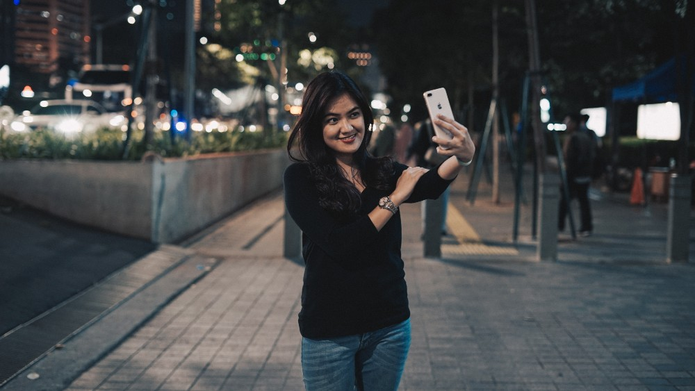a person doing a selfie.